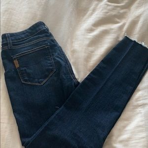 Paige Skyline Skinny with Raw Hem size 27